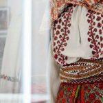 Costum autentic vs costum contrafăcut
